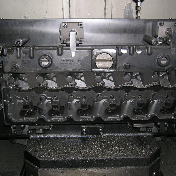 缸盖卧加液压夹具