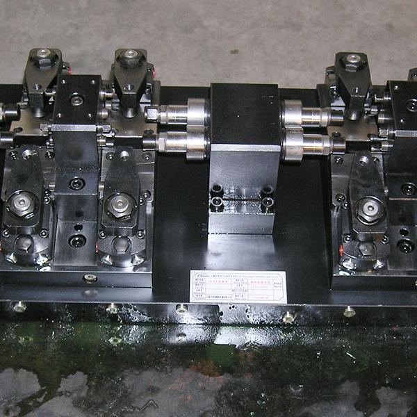 车门铰链液压夹具